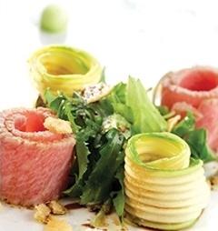 tonno scottato con zucchine e grana padano